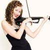VIOLIN ELECTRONICO. PERFORMANCE WOMAN ELECTRIC VIOLINIST PARA ANIMACION DE EVENTOS.